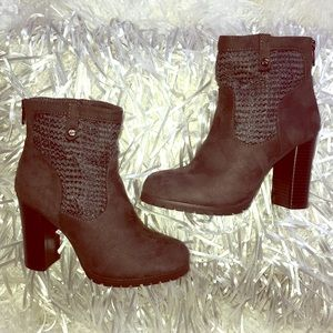 Juicy Couture Lupia Grey Ankle Boots, 6.5
